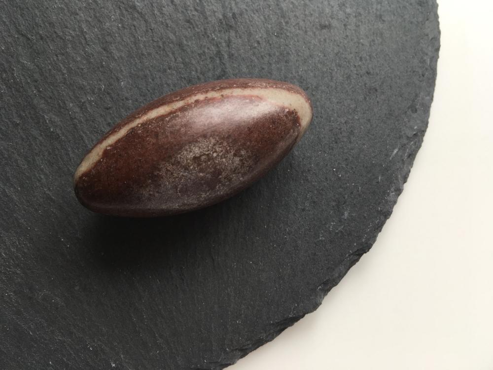 Shiva Lingam single stone 5cm