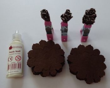 Make your own Christmas Cones in Felt