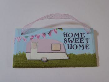"Fun Caravan Plaque ""Home Sweet Home"" Pink 2"