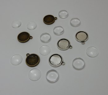 3 double sided setting small round pendant bezels + 6 glass domes silver or bronze 14 mm