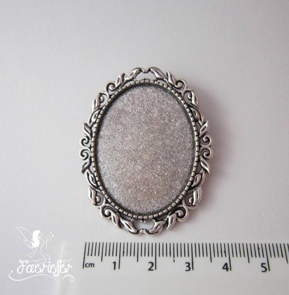 Leaf edge Brooch setting for 30 x 40 mm cabochon Bronze or Antique Silver