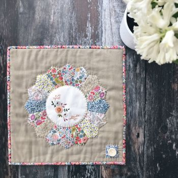 'Embroidered Posie Mini Quilt' Kit & Pattern
