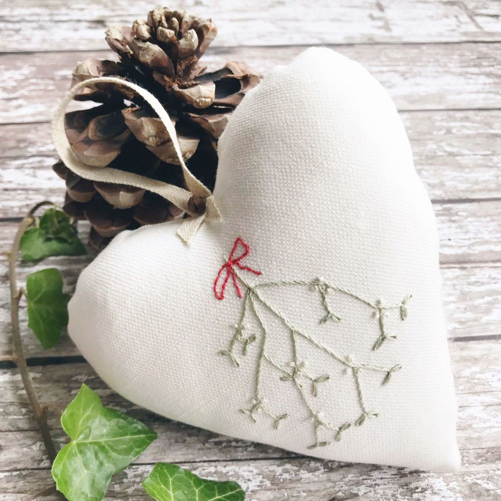 'Embroidered Heart ~ Mistletoe'