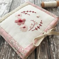 'Little Bee Needle Book' Kit (Faded Reds)