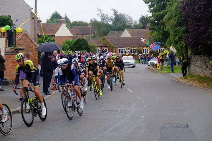 tour-of-britian-cyclists