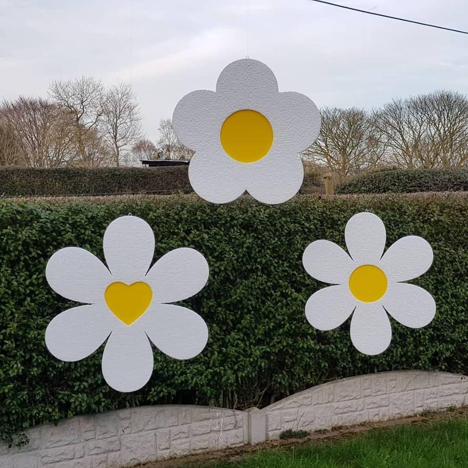 Polystyrene Hanging Easter Flower 300mm