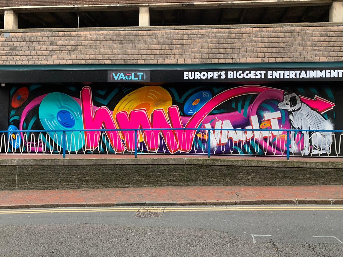 HMV-Wall-Graffiti-1200