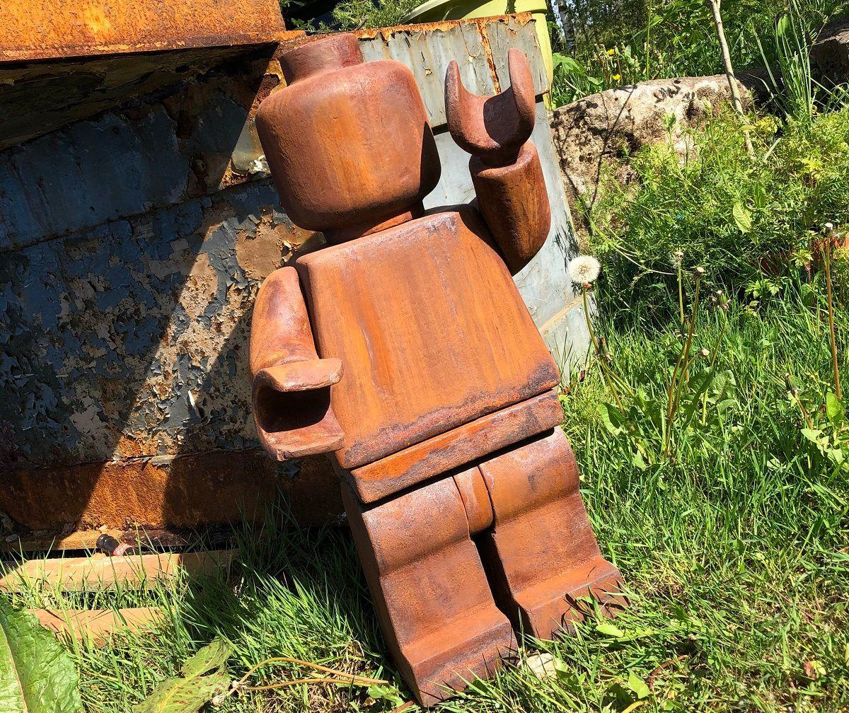 Rusty Minifigure Theme Model
