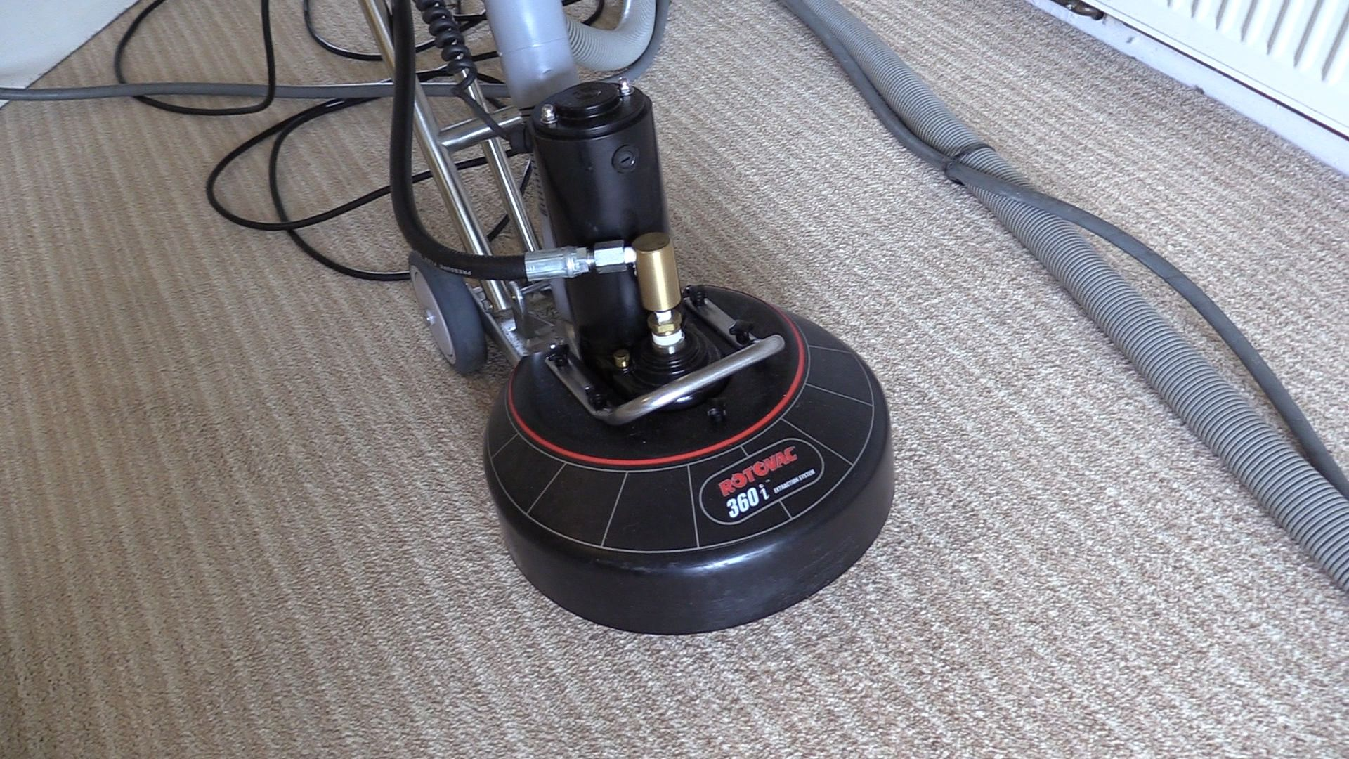 carpetandupholsterycleaning.uk  Rotovac 360i powerwand