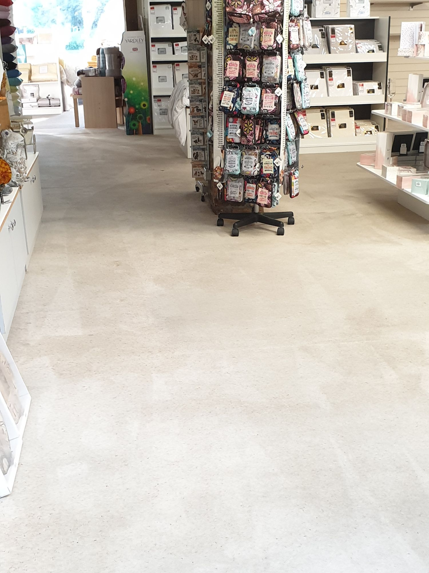 carpetandupholsterycleaning.uk shop floor