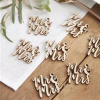 Wooden 'Mr & Mrs' Wooden Confetti