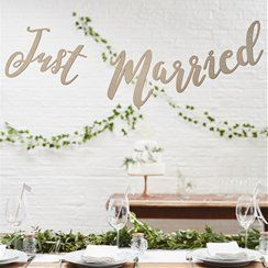 Wooden 'Just Married' Bunting