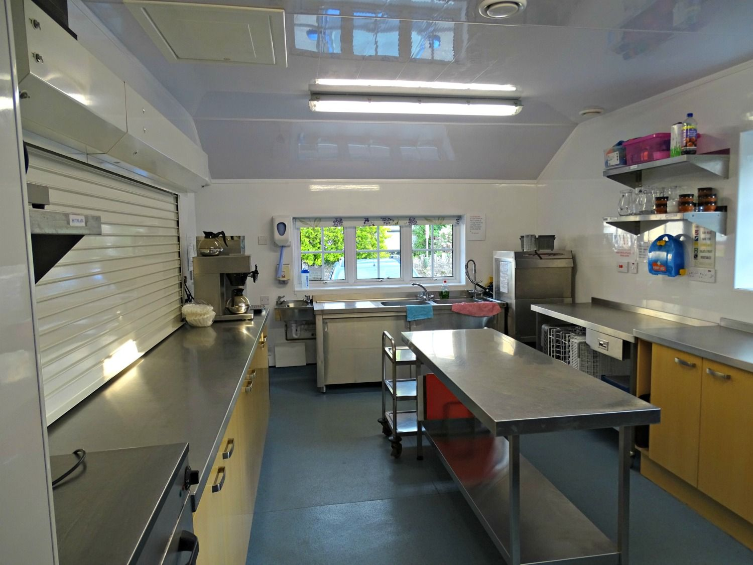 Commercial kitchen to hire