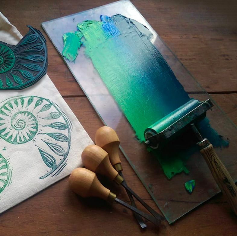 (4) FRI 2nd August- LINO PRINTING FABRIC OR PAPER