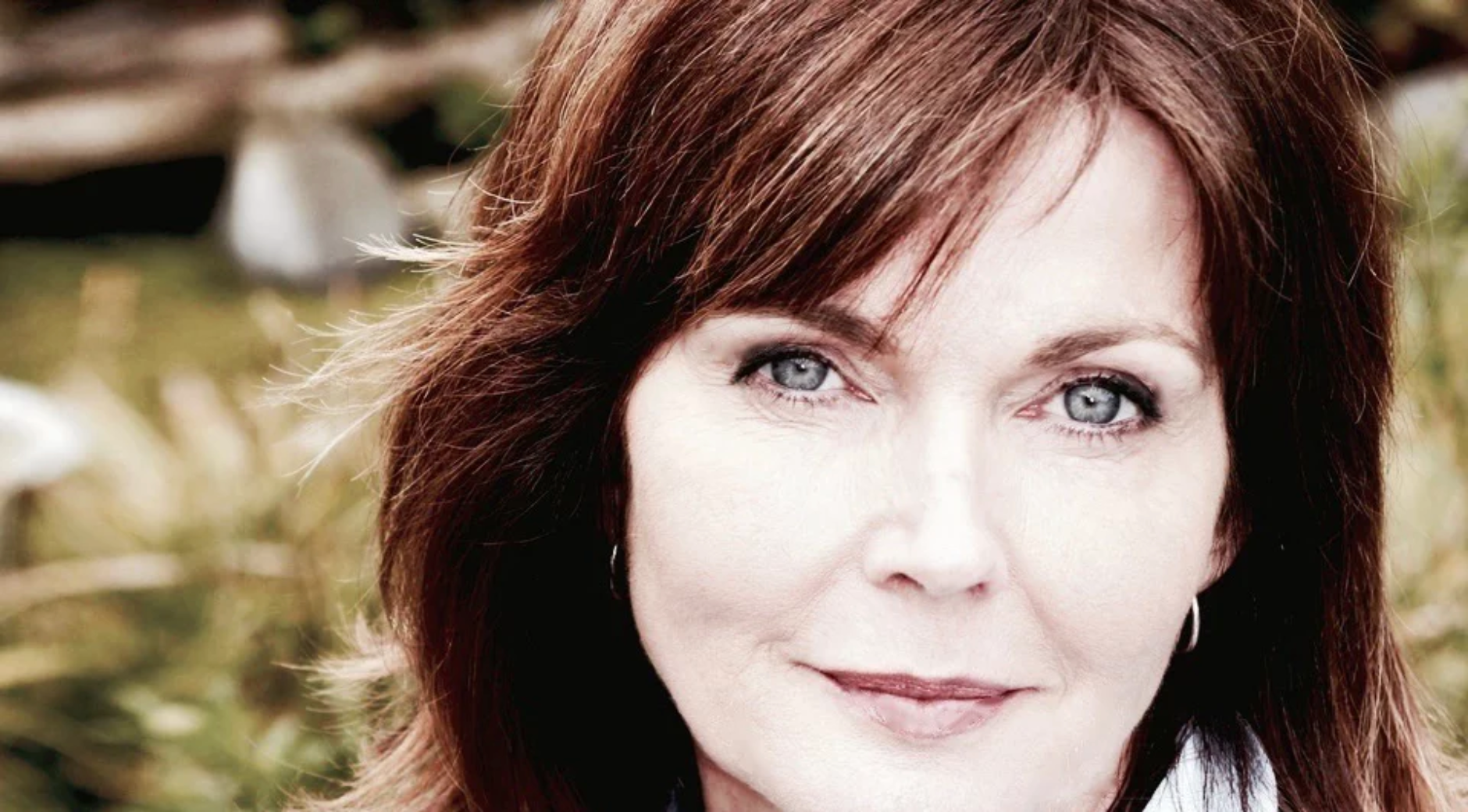headshot of annabel giles