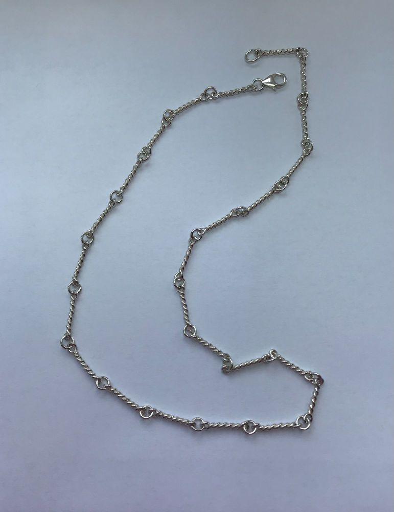 Silver twist link chain