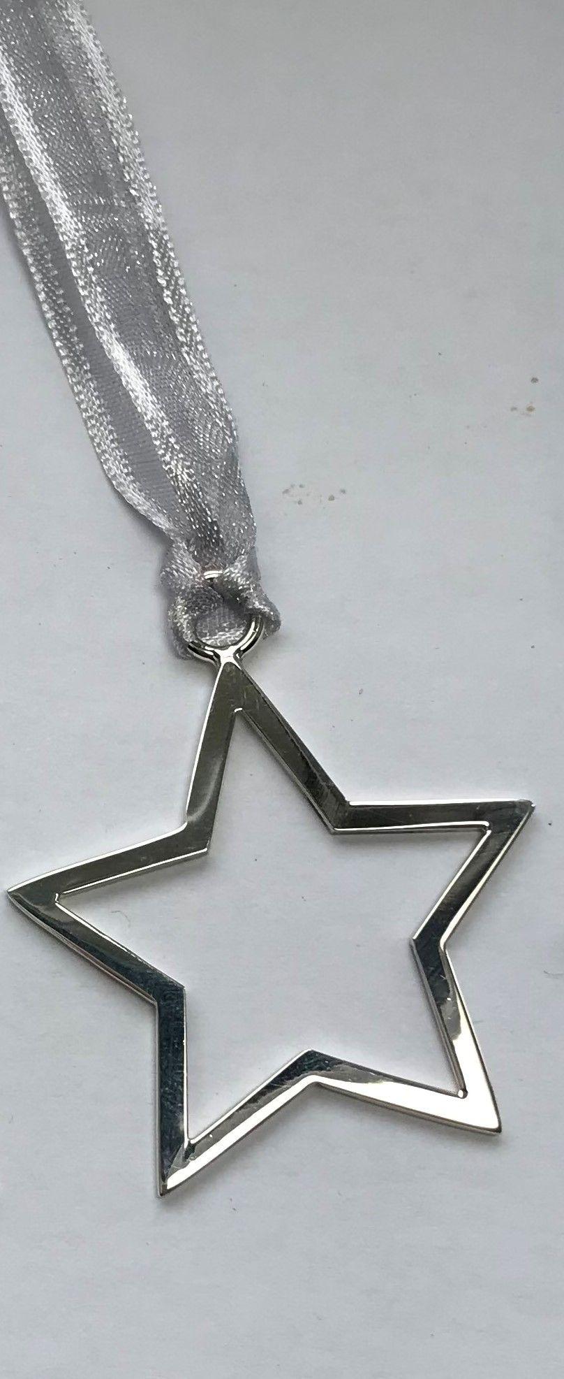 Medium silver star
