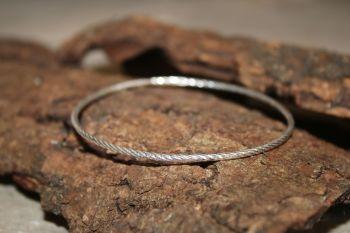 Sterling silver bangle
