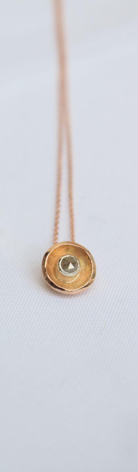 9ct gold. Single stone diamond pendant