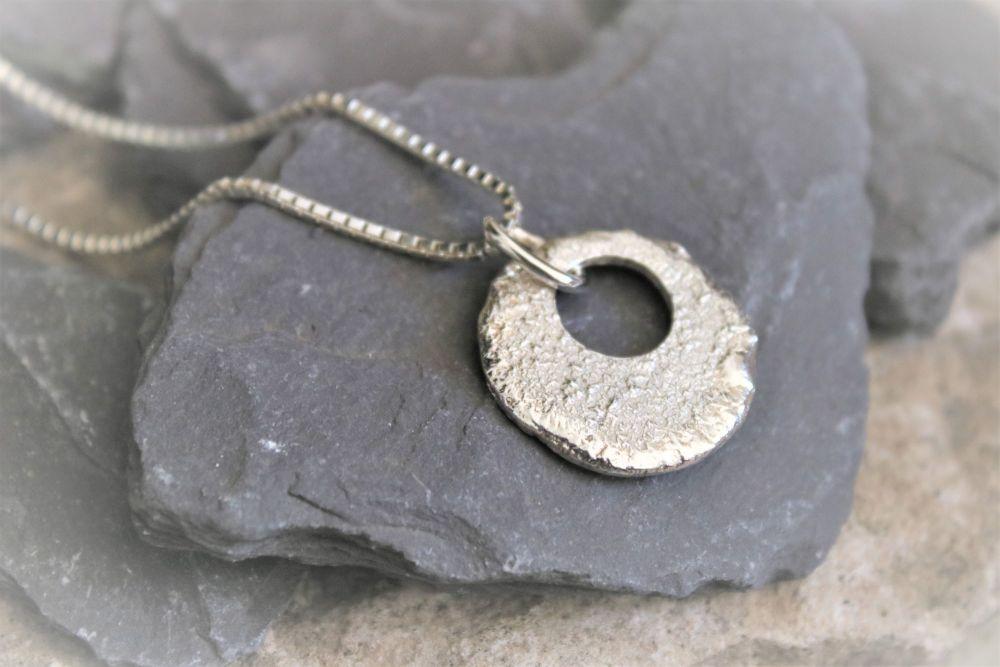Silver pendant & chain
