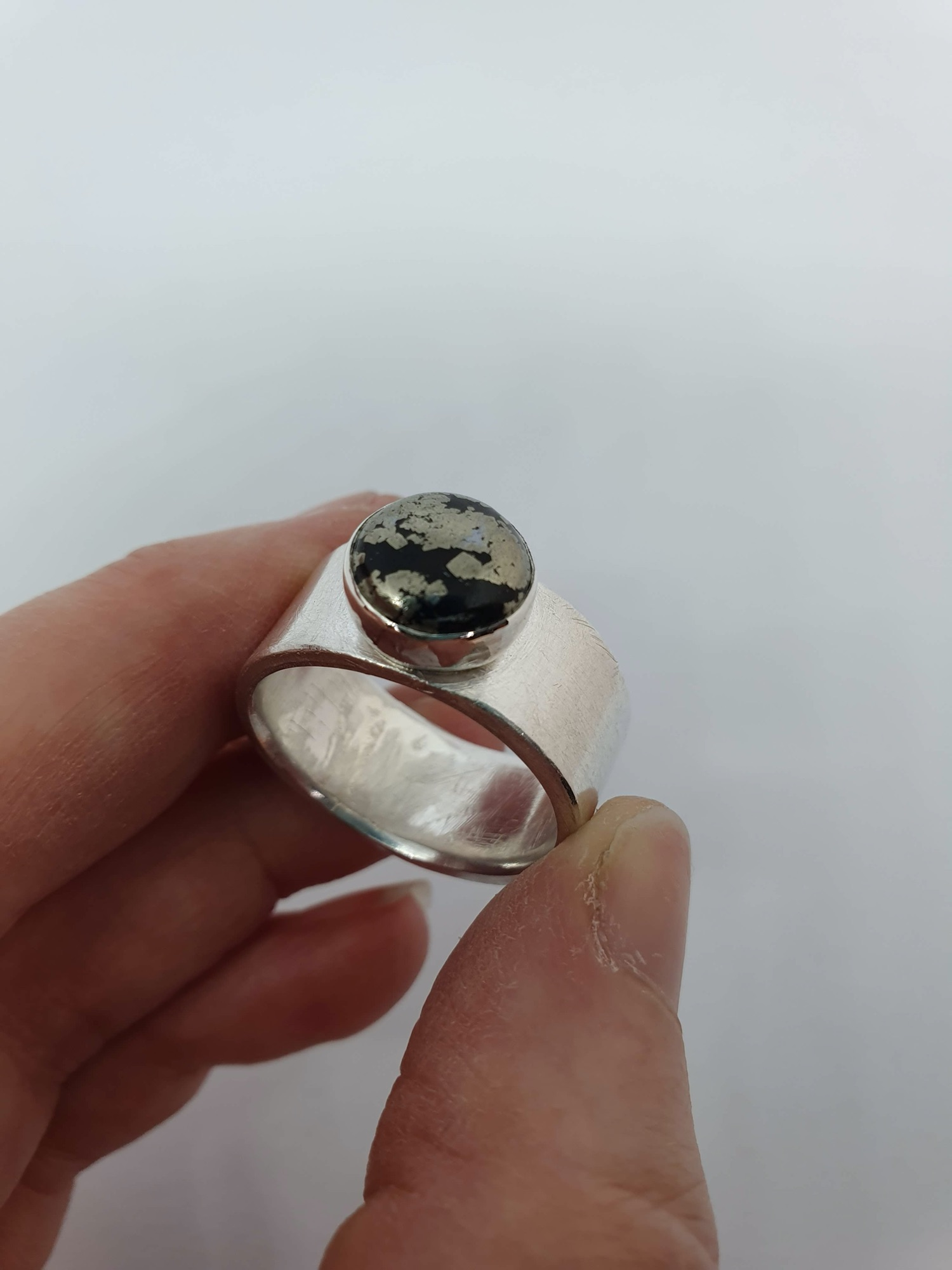 Chunky ring with bezel setting