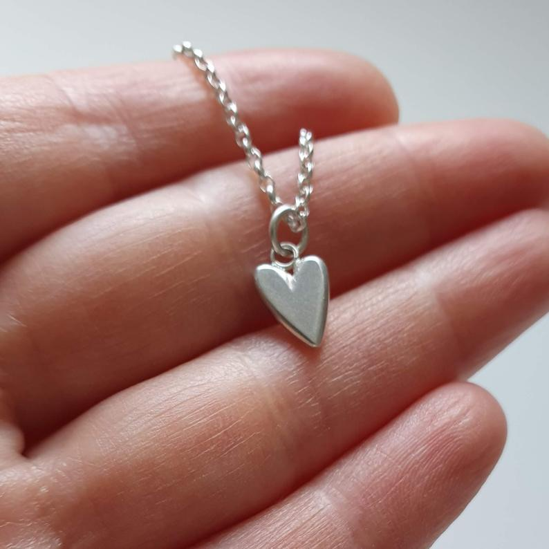 Delicate silver heart necklace, perfect for Valentines Day