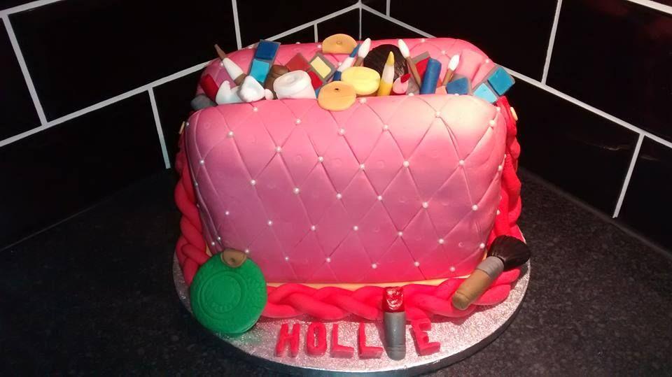 padded-make-ip-bag-cake