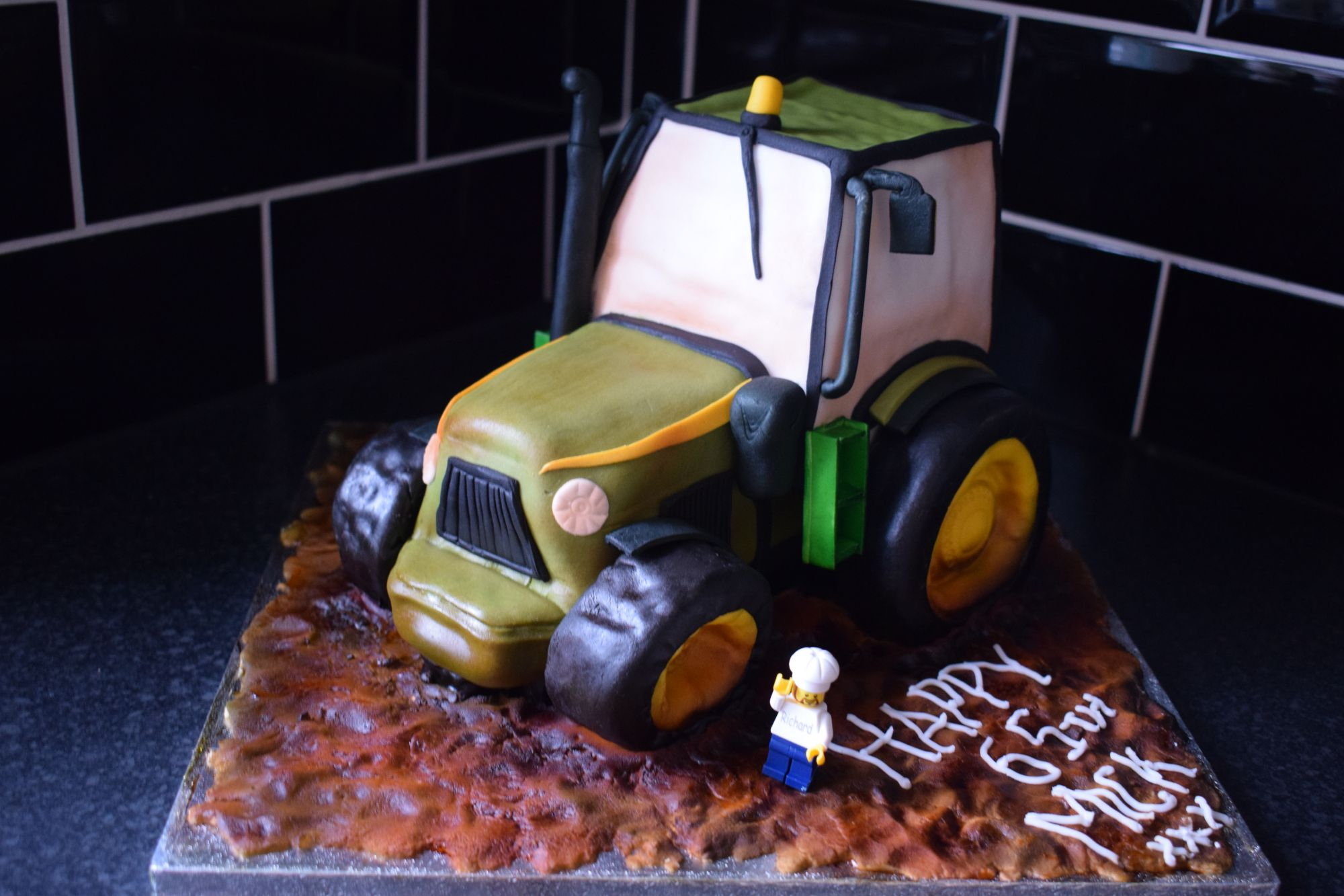 tractor-shaped-birthday-cake