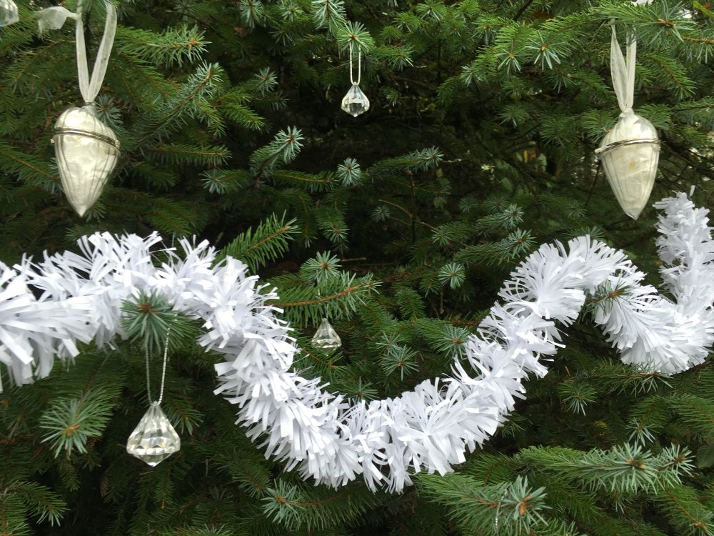 Kraft White Ecotinsel Garland
