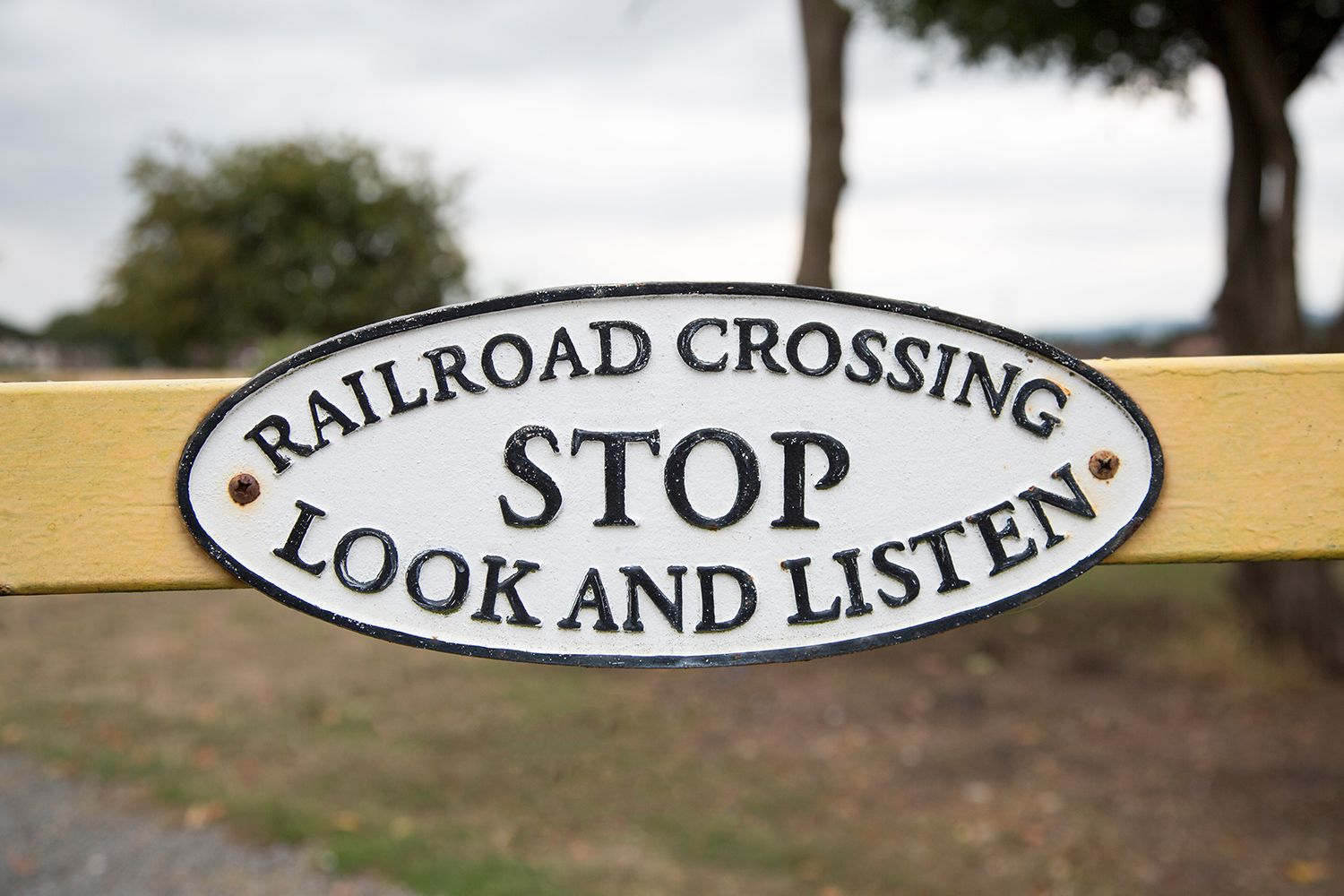 railroad-crossing-sign