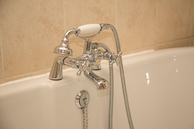 bath taps at old hathern station B&B