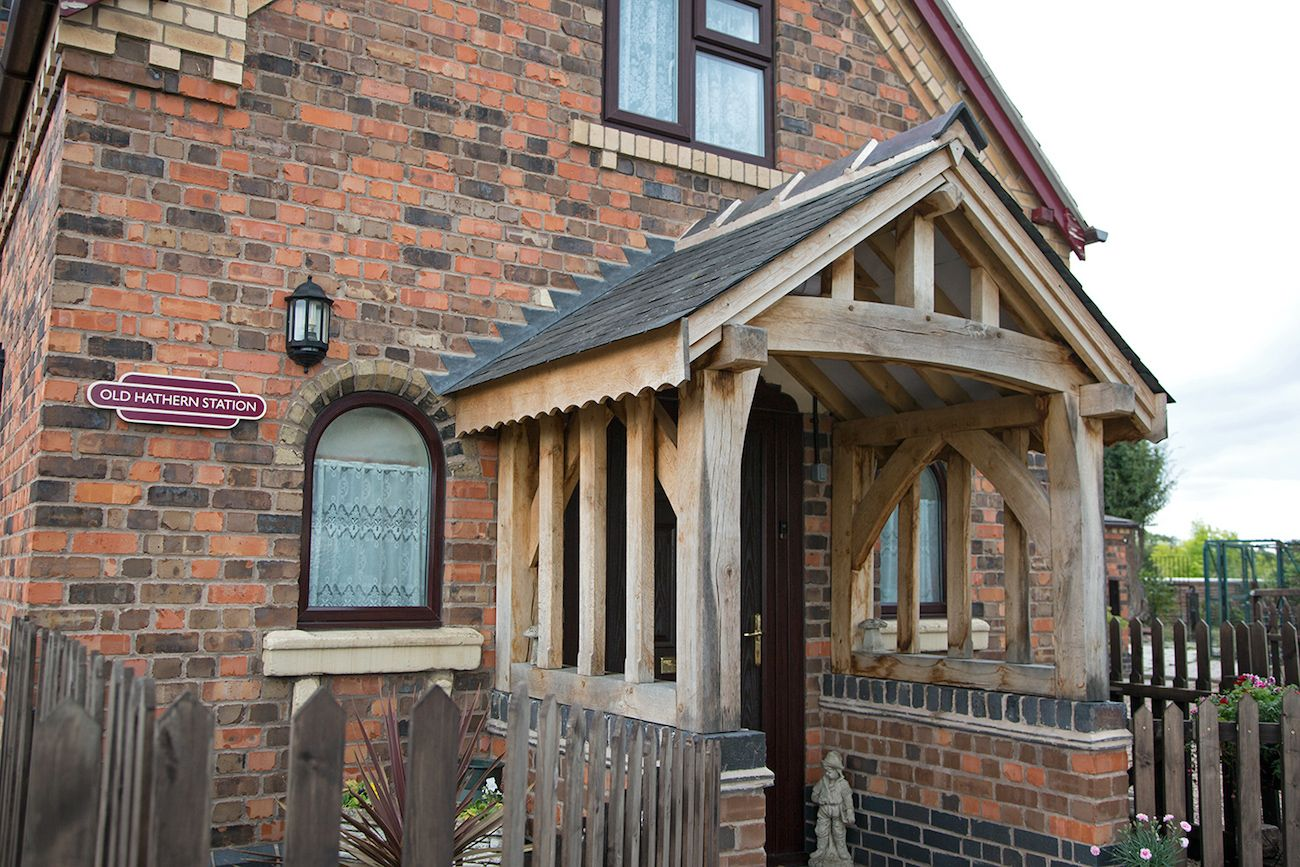 old-hathern-station-porch
