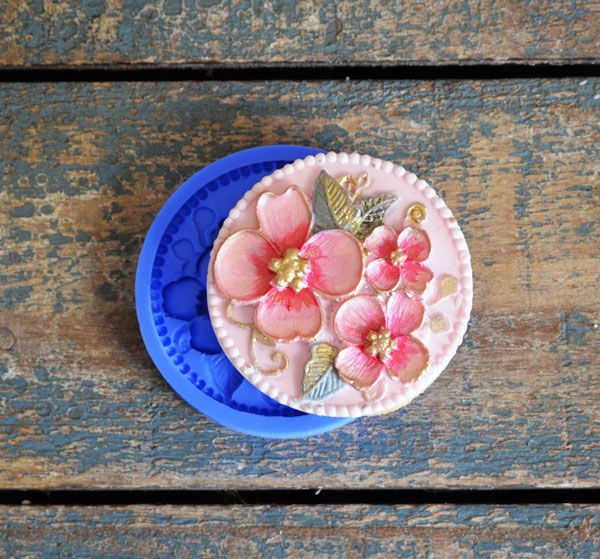 Crystal Candy Cupcake/ Cookie Bas Relief Mould: Exquisite Floral
