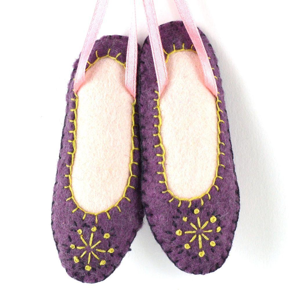 Corinne Lapierre: Dancing Shoe