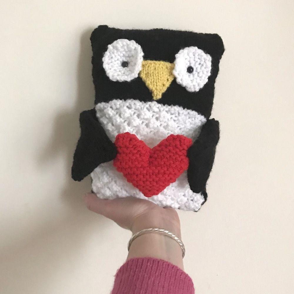Gift Horse Kits: Chunky Pengiun Knitting Kit