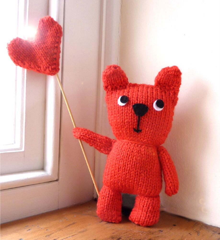Gift Horse Kits: Red Teddy With Balloon Knitting Kit