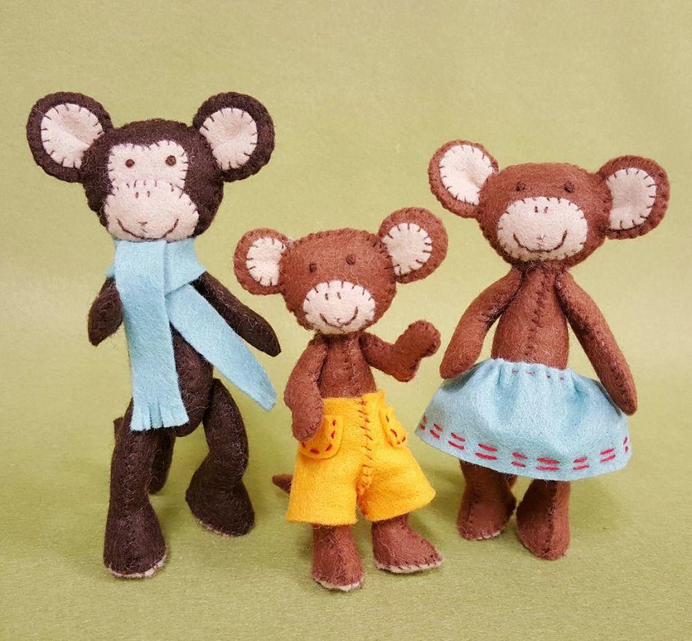 Corinne Lapierre: Monkey Family