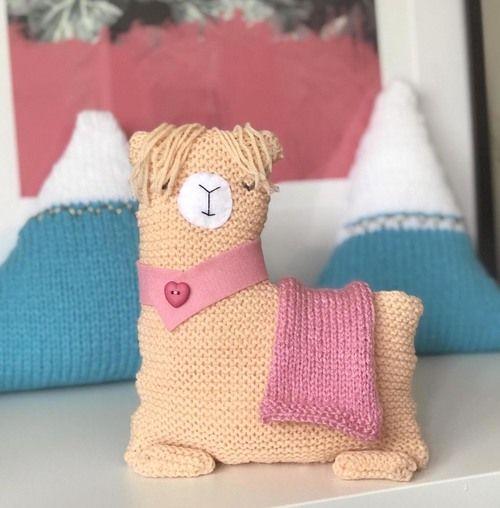 Gift Horse Kits: No Drama Llama Knitting Kit