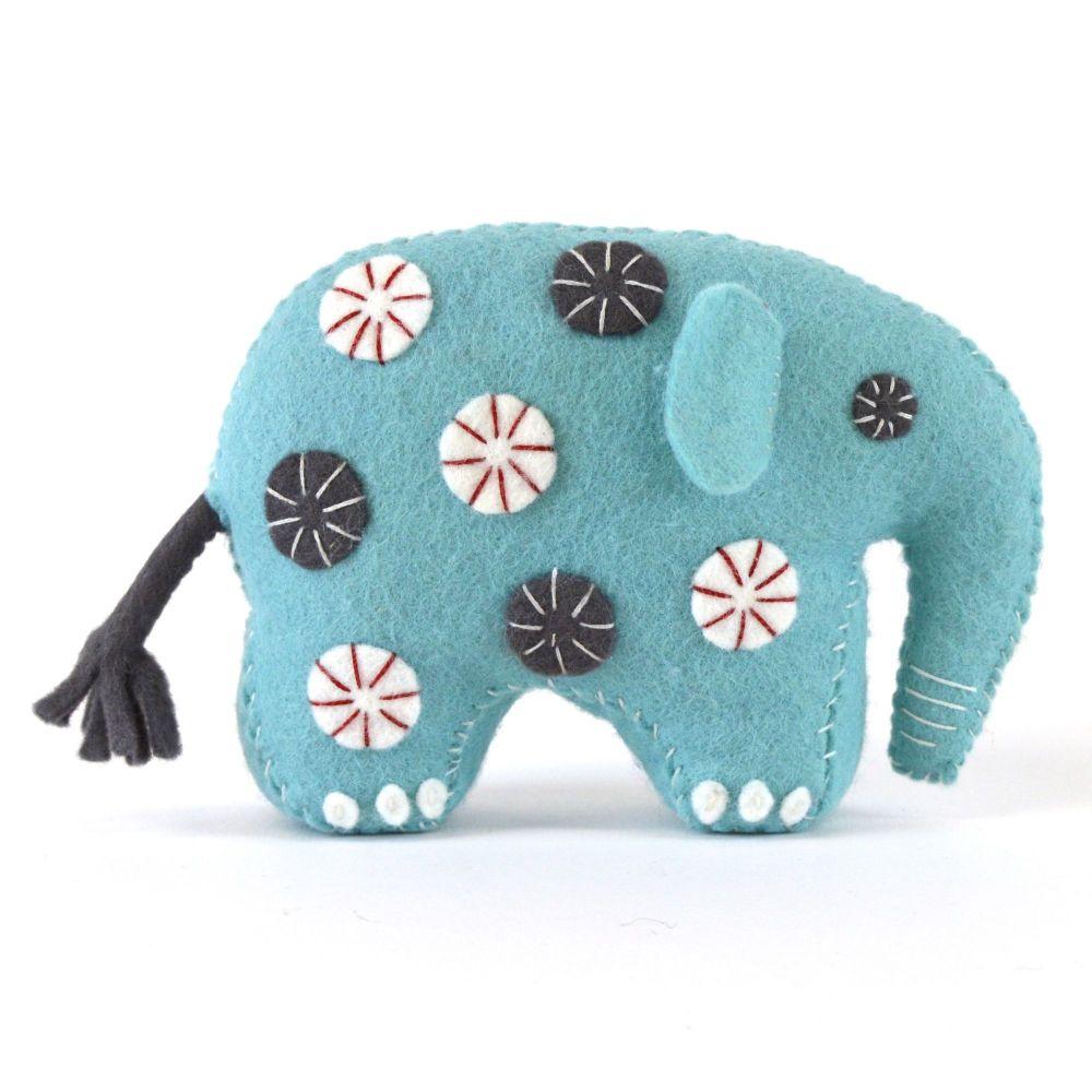 Corinne Lapierre: Elephant