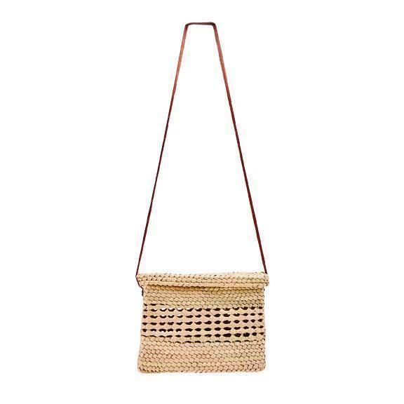 BSB1750OSNAT- Artisan handmade crochet palm straw crossbody bag: Natural