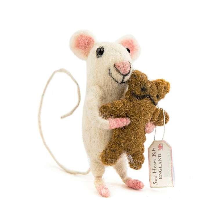Sew Heart Felt: Baby Felt Mouse with Bear
