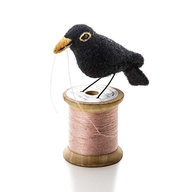 Sew Heart Felt: Blackbird Bird on a Bobbin