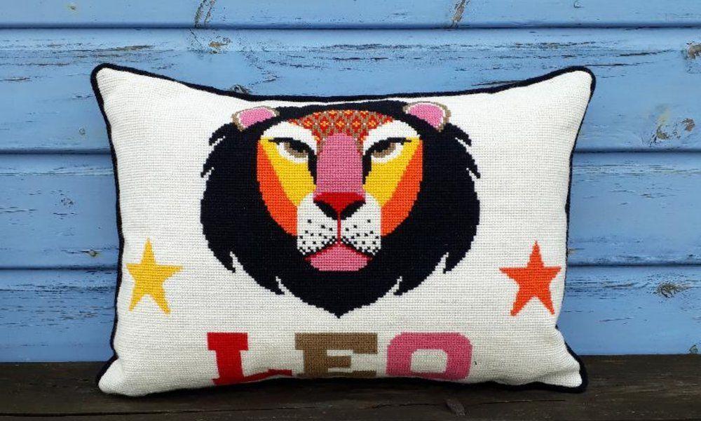 Emily Peacock: Cross Stitch Kits - Zodiac Signs - Leo (small)