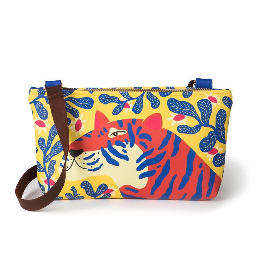 La Postalera: Small bag with Tiger design