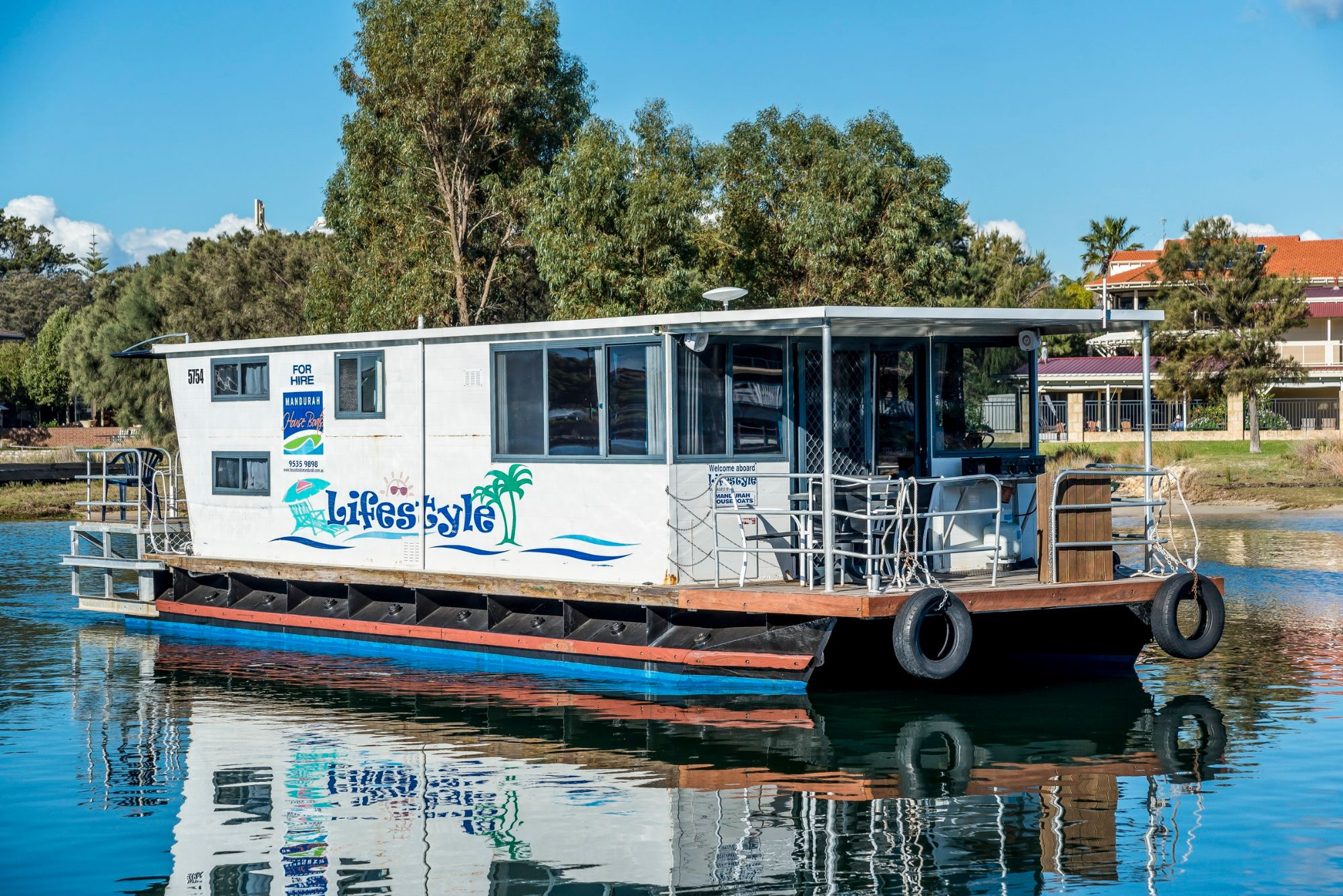 Mandurah Holidays on  a Houseboat