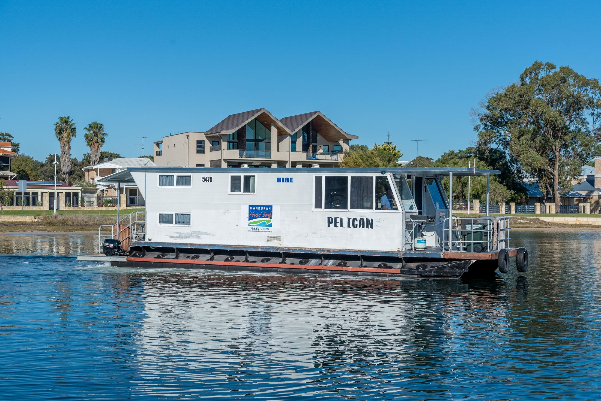 Mandurah and Perth Holidays on board a Houseboat