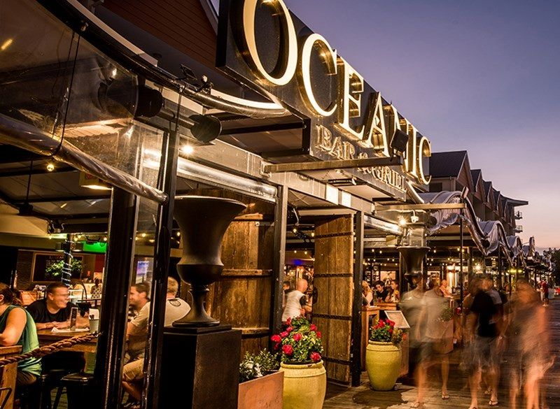 Mandurah Holidays - Oceanic Bar & Grill