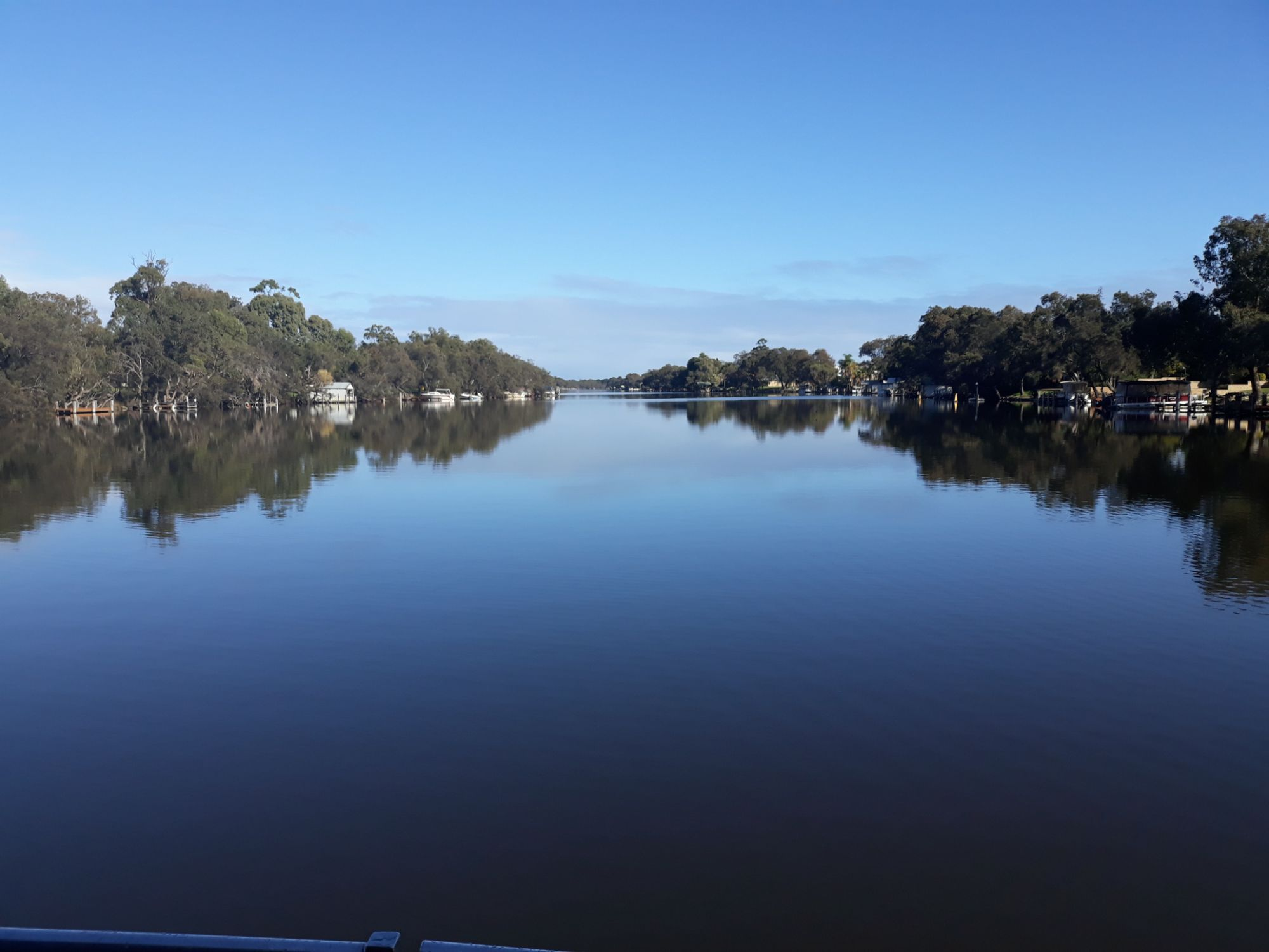 Mandurah Houseboat Holidays On The Beautiful Murray River