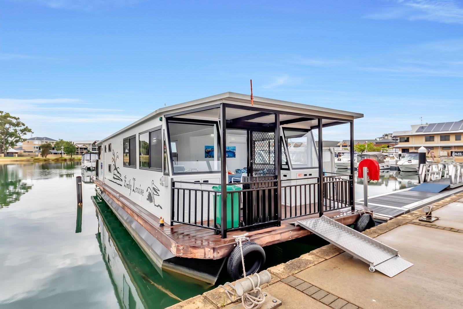 Emily Louise Luxury Houseboat Hire - Mandurah Holidays.jpeg
