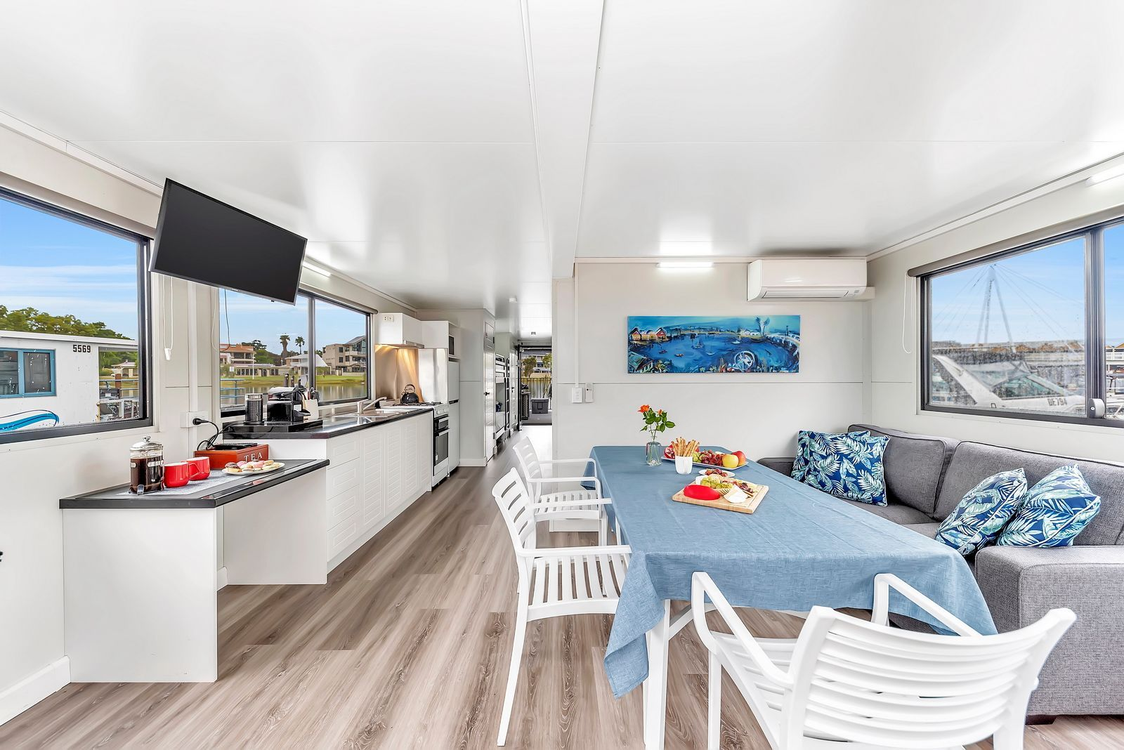 Luxury Accommodation on the Water With Mandurah Holidays.jpeg